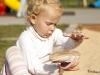 dziecko-w-piaskownicy