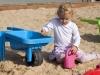 dziewczynka-w-piaskownicy