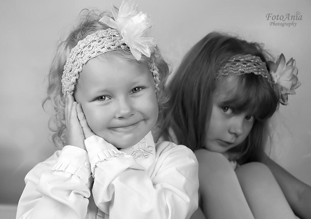 siostry-czarno-biale
